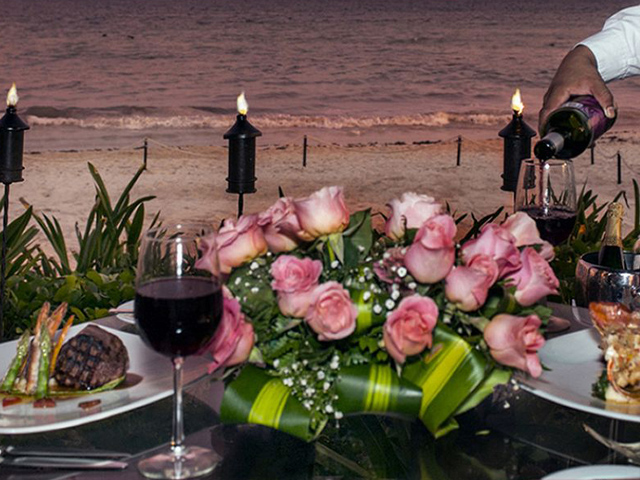 Starlight Beach Dinner for Two Package