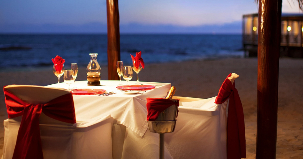 Candle Light Romantic Dinner on the Beach - Lobster Menu